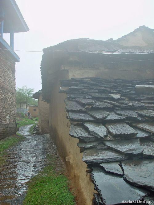北サラハンのスレート屋根