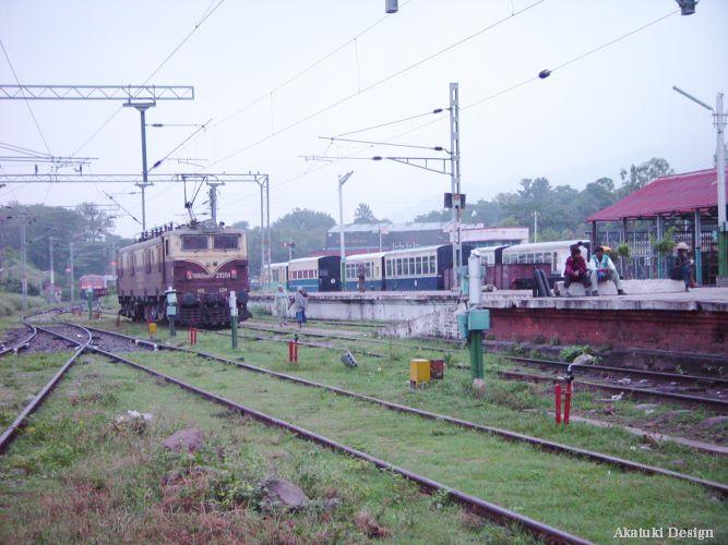 カルカの駅